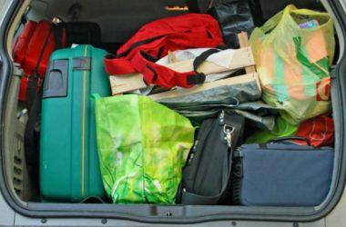Coloca bien el equipaje en el maletero