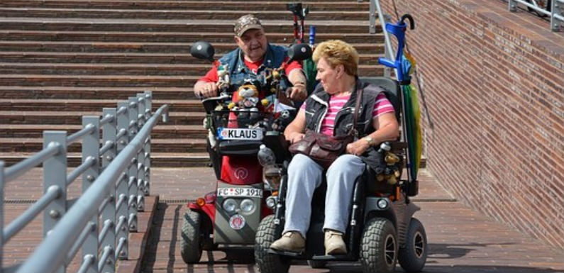 Elegir una buena silla de ruedas eléctrica