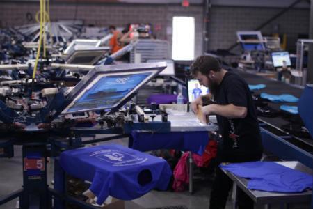 Proceso de impresión de camisetas