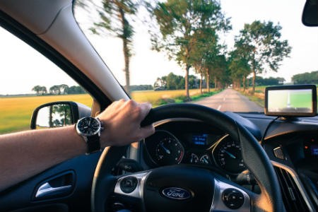 Actua de manera responsable ante el volante