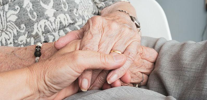 Servicios de cuidadores de personas mayores