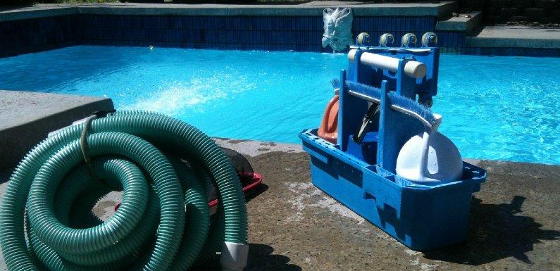 limpiar tu piscina este verano
